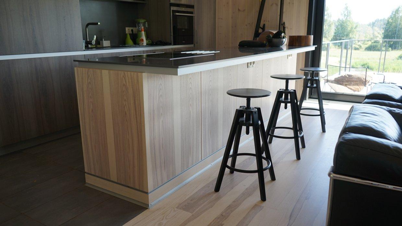Walnut veneer kitchens